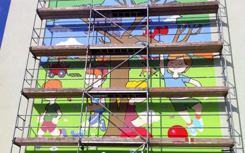 Grundschule Friedland individuelle Fassadengestaltung in Zusammenarbeit mit Grafiker Bernhard Ast
