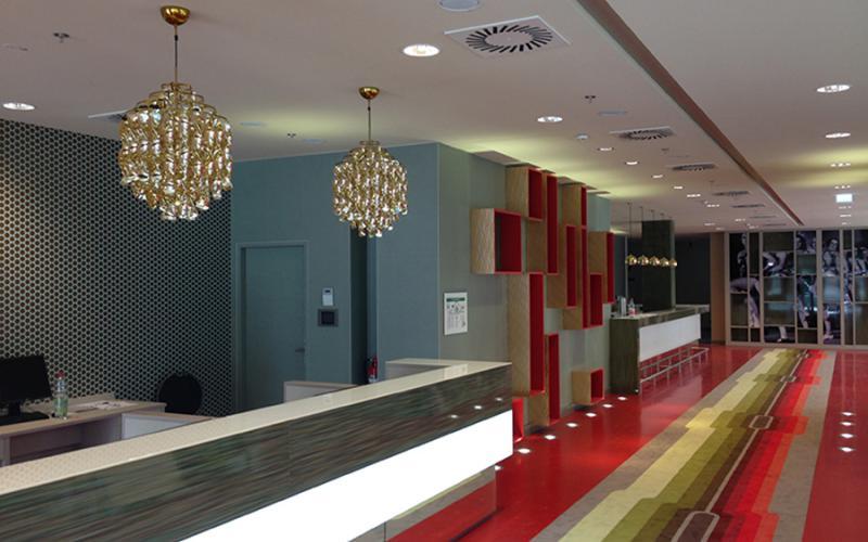 hotel am zirkus 1 berlin steffen noack. Black Bedroom Furniture Sets. Home Design Ideas